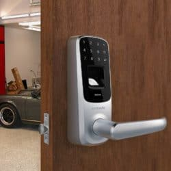 The UL3 BT can be used on a garage door